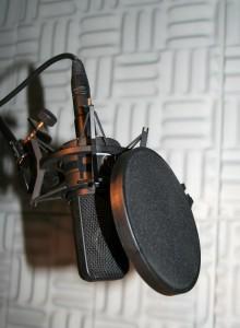 Studio_microphone_with_pop_shield